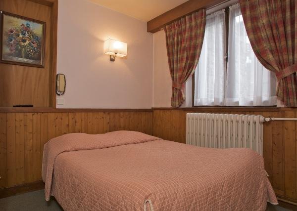 Chambre d 39 h tel meg ve haute savoie 74 alp 39 h tel bar for Hotel la chambre savoie